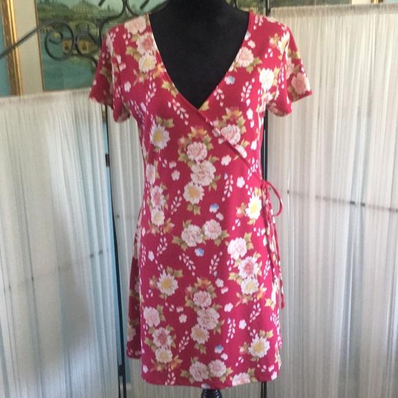 Aeropostale Dresses & Skirts - Aeropostale Floral Wrap Dress